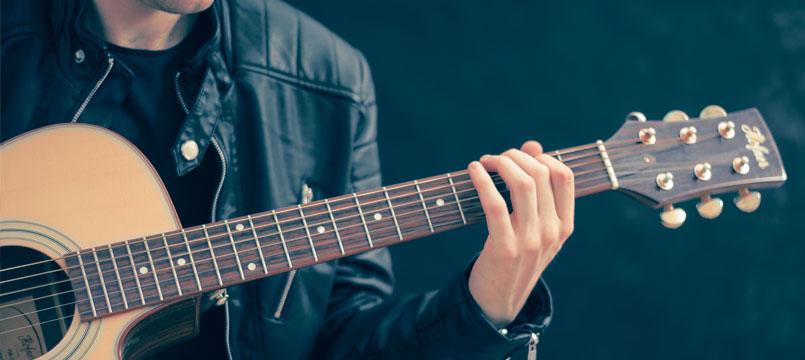 idee-regalo-natale-chitarrista