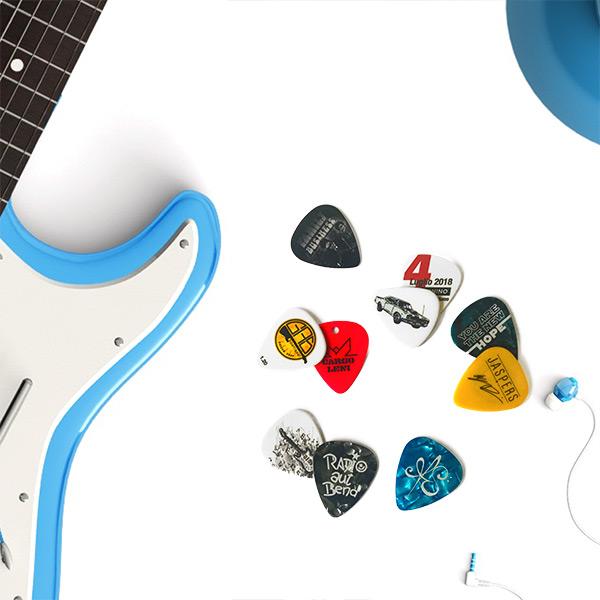 plettri-personalizzati-chitarra
